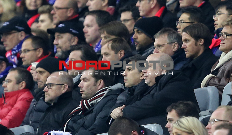 25.02.2015, Bay-Arena, Leverkusen, Championsleague, Bayer 04 Leverkusen vs. Atletico Madrid<br /> Trainer Thomas Schaaf (Frankfurt), Co-Trainer Thomas Schneider (Deutschland), Reiner Calmund auf der Trib&uuml;ne<br /> Foto &copy; nordphoto /  Bratic
