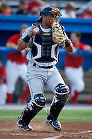 August 11, 2009:  Catcher Sandy Leon of the Vermont Lake Monsters during a game at Dwyer Stadium in Batavia, NY.  The Lake Monsters are the Short-Season Class-A affiliate of the Washington Nationals.  Photo By Mike Janes/Four Seam Images
