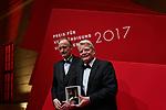 Germany, Berlin, 2017/11/11<br /> <br /> Altbundespr&auml;sident Joachim Gauck und Siemens-Chef Joe Kaeser sind am Samstag mit dem &raquo;Preis f&uuml;r Verst&auml;ndigung und Toleranz&laquo; des J&uuml;dischen Museums Berlin ausgezeichnet worden. Der Preis wurde bei einem traditionellen Jubil&auml;ums-Dinner der Gesellschaft der Freunde und F&ouml;rderer des Museums &uuml;berreicht. Die Laudatio auf Gauck hielt der australisch-britische Historiker Sir Christopher Clark, die Laudatio auf Kaeser Bundesau&szlig;enminister Sigmar Gabriel (SPD).<br /> <br /> VORBILD Altbundespr&auml;sident Gauck sei Beispiel und Vorbild daf&uuml;r, dass eine gemeinsame Zukunft durch jeden Einzelnen gestaltet werden m&uuml;sse, hie&szlig; es. Siemens-Chef Kaeser stehe in dem Weltkonzern und seinem privaten Umfeld f&uuml;r Respekt und Vielfalt. Die Siemens AG ist Mitglied im Freundeskreis des Museums und f&ouml;rdert seit 2012 im Rahmen der Akademieprogramme das J&uuml;disch-Islamische Forum.<br /> <br /> Mit dem undotierten &raquo;Preis f&uuml;r Verst&auml;ndigung und Toleranz&laquo; werden seit 2002 Pers&ouml;nlichkeiten aus Wirtschaft, Kultur und Politik ausgezeichnet, die sich auf herausragende Weise im Sinne der Auszeichnung verdient gemacht haben. Bisherige Preistr&auml;ger sind unter anderem der fr&uuml;here Bundesinnenminister Otto Schily (SPD), die Verlegerin Friede Springer, der fr&uuml;here Bundespr&auml;sident Johannes Rau, der Sammler und M&auml;zen Heinz Berggruen sowie der in diesem Jahr vestorbene Altkanzler Helmut Kohl und Amtsinhaberin Angela Merkel (beide CDU). Photo by Gregor Zielke (Photo by Gregor Zielke)