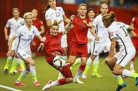 MONTREAL, CANADA, 30.06.2015 - EUA-ALEMANHA - Mittag (ao centro) da Alemanha durante partida contra os Estados Unidos, válida pelas semi-finais da Copa do Mundo de Futebol Feminino, no Estádio Olímpico de Montreal, no Canadá, nesta sexta-feira, 30. (Foto: William Volcov/Brazil Photo Press)