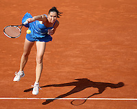 Jelena Jankovic (SRB) (5) against Sorana Cirstea (ROU) in the fourth round of the Women's Singles. Cirstea beat Jankovic 3-6 6-0 9-7..Tennis - French Open - Day 9 - Mon1st June 2009 - Roland Garros - Paris - France..Frey Images, Barry House, 20-22 Worple Road, London, SW19 4DH.Tel - +44 20 8947 0100.Cell - +44 7843 383 012