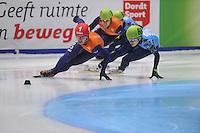 SHORTTRACK: DORDRECHT: Sportboulevard Dordrecht, 25-01-2015, ISU EK Shorttrack, 1000m Men Finale A, Sjinkie KNEGT (NED | #1), Victor AN (RUS | #60), ©foto Martin de Jong