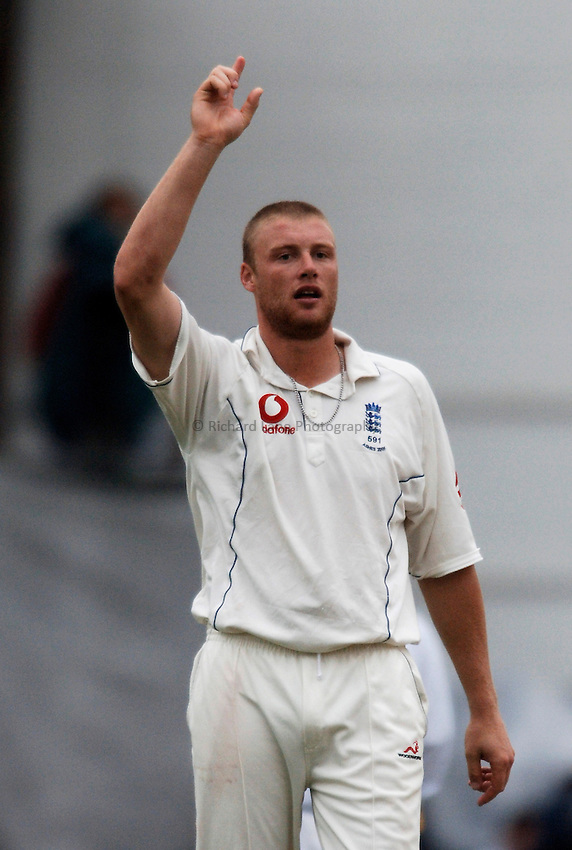 Photo: Glyn Thomas..England v Australia. nPower Test Series. The Ashes 2005..11/09/2005..England's Andrew Flintoff celebrates taking a wicket.