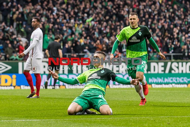 10.02.2019, Weserstadion, Bremen, GER, 1.FBL, Werder Bremen vs FC Augsburg<br /> <br /> DFL REGULATIONS PROHIBIT ANY USE OF PHOTOGRAPHS AS IMAGE SEQUENCES AND/OR QUASI-VIDEO.<br /> <br /> im Bild / picture shows<br /> Jubel 1:0, Milot Rashica (Werder Bremen #11) bejubelt seinen Treffer zum 1:0 mit Maximilian Eggestein (Werder Bremen #35), <br /> <br /> Foto &copy; nordphoto / Ewert
