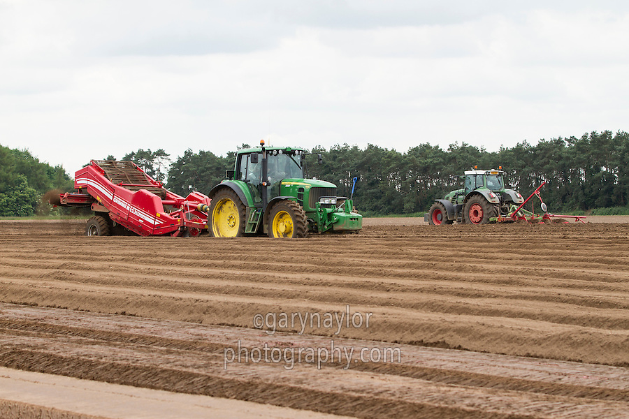 Destoing with a Grimme CS150 multi web - Norfolk, June