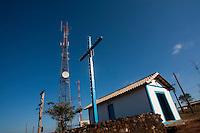 Pitangui_MG, Brasil...Capela em Pitangui, Minas Gerais. Ao fundo uma antena de celular. ..A Chapel in Pitangui, Minas Gerais. In the background a cellular antenna...Foto: LEO DRUMOND / NITRO