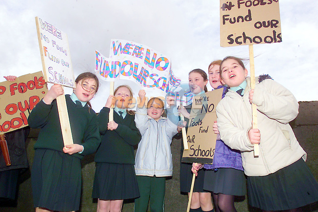 Joyce Myley, Anna Stafford, Niamh Fallon, Laurna Watters, Amanda Healy and Nakita Campbell students from Scoile Mhuire Fatima, Drogheda protesting at the condtions in their scoil and the lack of funding provided by the Dept of Education despite guarantee prior to last general election that funding for a new school was sanctioned..Copy Elaine Keogh.Photo Fran Caffrey/Newsfile.ie..This picture has been sent to you by:.Newsfile Ltd,.3 The View,.Millmount Abbey,.Drogheda,.Co Meath..Ireland..Tel: +353-41-9871240.Fax: +353-41-9871260.GSM: +353-86-2500958.ISDN: +353-41-9871010.IP: 193.120.102.198.www.newsfile.ie..email: pictures@newsfile.ie..This picture has been sent by Fran Caffrey.francaffrey@newsfile.ie