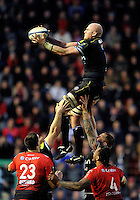 Matt Garvey of Bath Rugby wins the ball at a lineout. European Rugby Champions Cup match, between RC Toulon and Bath Rugby on January 10, 2016 at the Stade Mayol in Toulon, France. Photo by: Patrick Khachfe / Onside Images