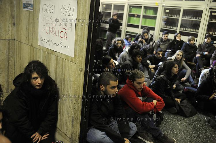 Roma,15 Novembre 2011.Università La Sapienza, verso la giornata mondiale di mobilitazione studentesca del 17 Novembre.Assemblea a scienze politiche