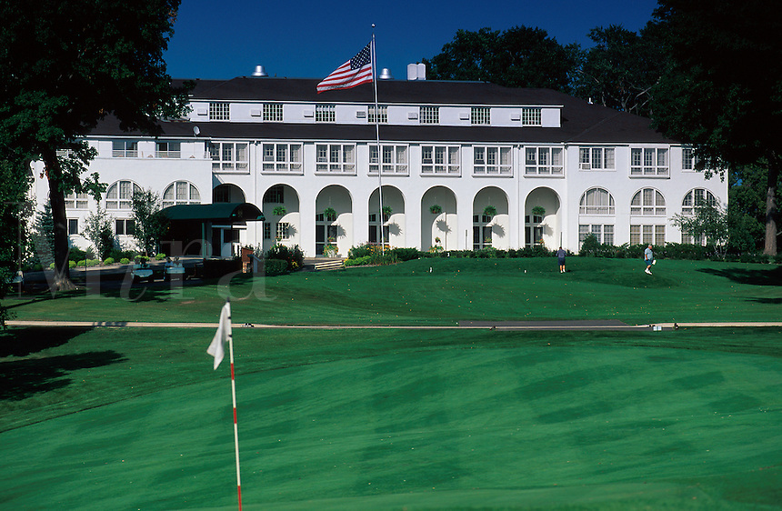 The exterior of the Lafayette Country Club.