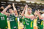 S&ouml;dert&auml;lje 2015-10-01 Basket Basketligan S&ouml;dert&auml;lje Kings - Uppsala Basket :  <br /> S&ouml;dert&auml;lje Kings Toni Bizaca och Erik Johansson med lagkamrater appl&aring;derar publiken efter matchen mellan S&ouml;dert&auml;lje Kings och Uppsala Basket <br /> (Foto: Kenta J&ouml;nsson) Nyckelord:  Basket Basketligan S&ouml;dert&auml;lje Kings SBBK T&auml;ljehallen Uppsala Seriepremi&auml;r Premi&auml;r jubel gl&auml;dje lycka glad happy