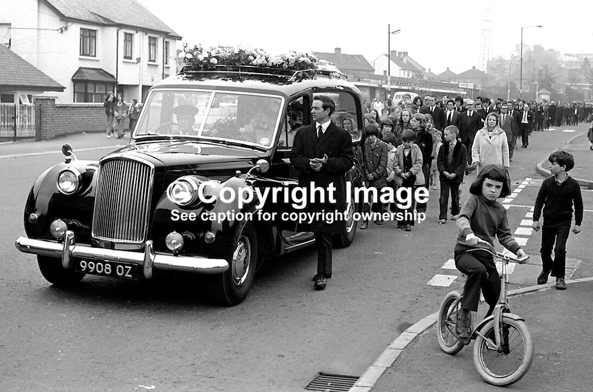 Funeral of Paul Cromie, 4 years, Finaghy Road North, Belfast, N Ireland, who was fatally shot by the Provisional IRA whilst playing in the garden of his home. The IRA were firing at a passing British Army patrol. 197305280328a..Copyright Image from Victor Patterson, 54 Dorchester Park, Belfast, UK, BT9 6RJ..Tel: +44 28 9066 1296.Mob: +44 7802 353836.Voicemail +44 20 8816 7153.Skype: victorpattersonbelfast.Email: victorpatterson@me.com.Email: victorpatterson@ireland.com (back-up)..IMPORTANT: If you wish to use this image or any other of my images please go to www.victorpatterson.com and click on the Terms & Conditions. Then contact me by email or phone with the reference number(s) of the image(s) concerned.