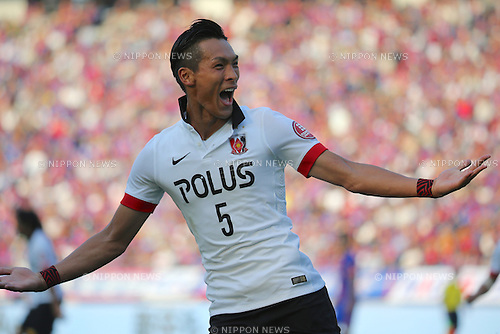 Tomoaki Makino (Reds), OCTOBER 24, 2015 - Football / Soccer : Tomoaki Makino of Urawa Reds celebrates after scoring his team's fourth goal during the 2015 J1 League 2nd stage match between F.C.Tokyo 3-4 Urawa Red Diamonds at Ajinomoto Stadium in Tokyo, Japan. (Photo by Hitoshi Mochizuki/AFLO)