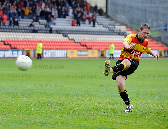 Bryan Hodge misses the final kick for Partick Thistle