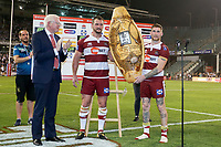 Picture by David Neilson/SWpix.com/PhotosportNZ - 10/02/2018 - Rugby League - Betfred Super League - Wigan Warriors v Hull FC  - WIN Stadium, Wollongong, Australia - Wigan's Sean O'Loughlin & Sam Tomkins hold aloft the Kenny Sterling shield after victory over Hull FC.
