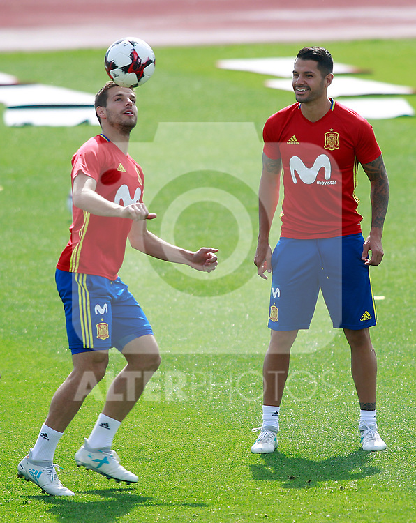 Spain's Cesar Azpilicueta and Vitolo during training session. June 9,2017.(ALTERPHOTOS/Acero)
