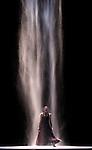 MARIE-AGNES<br /> Marie-Agn&egrave;s Gillot dans &quot;White darkness&quot; de Nacho Duato<br /> Ballet de l'Op&eacute;ra National de Paris &agrave; L'op&eacute;ra Garnier le 28/04/2009