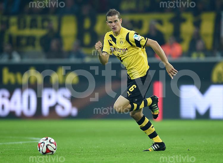 Fussball  1. Bundesliga  Saison 2014/2015   5. SPIELTAG Borussia Dortmund - VfB Stuttgart     24.09.2014 Sven Bender (Borussia Dortmund) am Ball