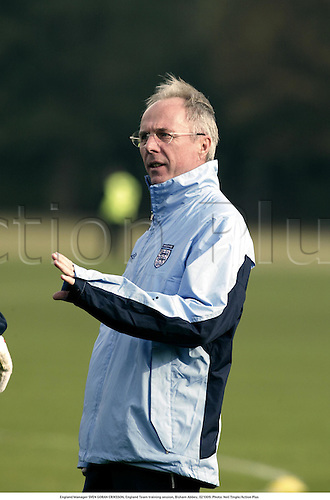 England Manager SVEN GORAN ERIKSSON, England Team training session, Bisham Abbey, 021009. Photo: Neil Tingle/Action Plus...Football Soccer.Coach coaches managers