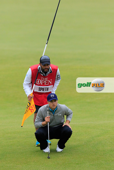 Jordan Spieth (USA) lines up his putt on the 18th green during Monday's Final Round of the 144th Open Championship, St Andrews Old Course, St Andrews, Fife, Scotland. 20/07/2015.<br /> Picture Eoin Clarke, www.golffile.ie