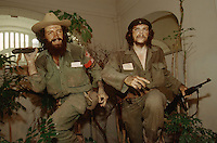 CUBA, HAVANA..Waxworks of Castro's comrades Che Guevara (r.) and Camilo at the Museo de la Revolucion (Museum of the Revolution)..(Photo by Heimo Aga)