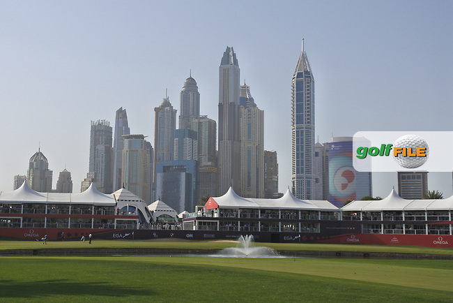 Looking down the 18th during Round 4 of the Omega Dubai Desert Classic, Emirates Golf Club, Dubai,  United Arab Emirates. 27/01/2019<br /> Picture: Golffile | Thos Caffrey<br /> <br /> <br /> All photo usage must carry mandatory copyright credit (&copy; Golffile | Thos Caffrey)