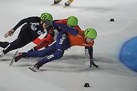 SCHAATSEN: DORDRECHT: Sportboulevard, Korean Air ISU World Cup Finale, 11-02-2012, Guillaume Bastille CAN (6), Vladimir Grigorev RUS (68), Niels Kerstholt NED (61), ©foto: Martin de Jong