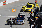 Todd Gilliland, Kyle Busch Motorsports, Toyota Tundra Mobil 1, Cody Coughlin, GMS Racing, Chevrolet Silverado Jeg's.com , makes a pit stop.