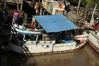 Cenas da ilha do Mosqueiro.<br /> Rios, comércio e meio ambiente