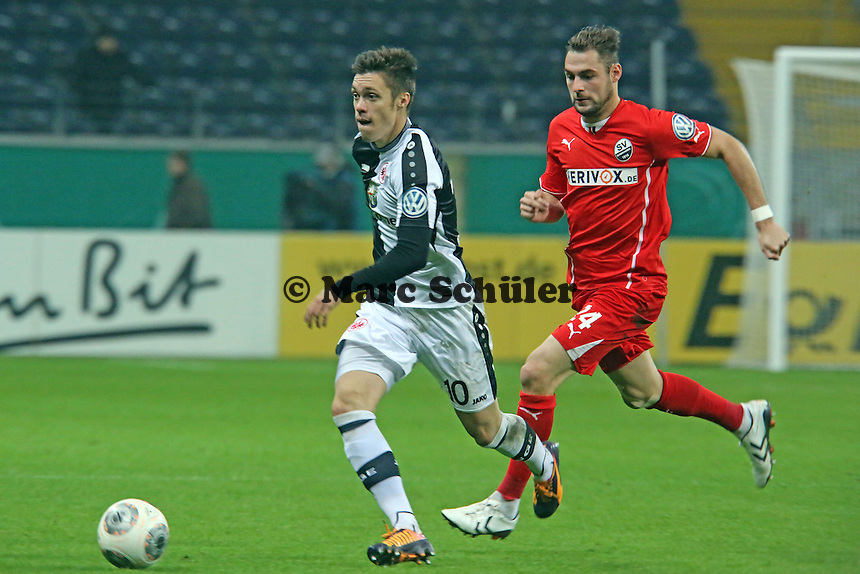 Vaclav Kadlec (Eintracht) gegen Simon Tüting (SVS) - Eintracht Frankfurt vs. SV Sandhausen, DFB-Pokal, Commerzbank Arena