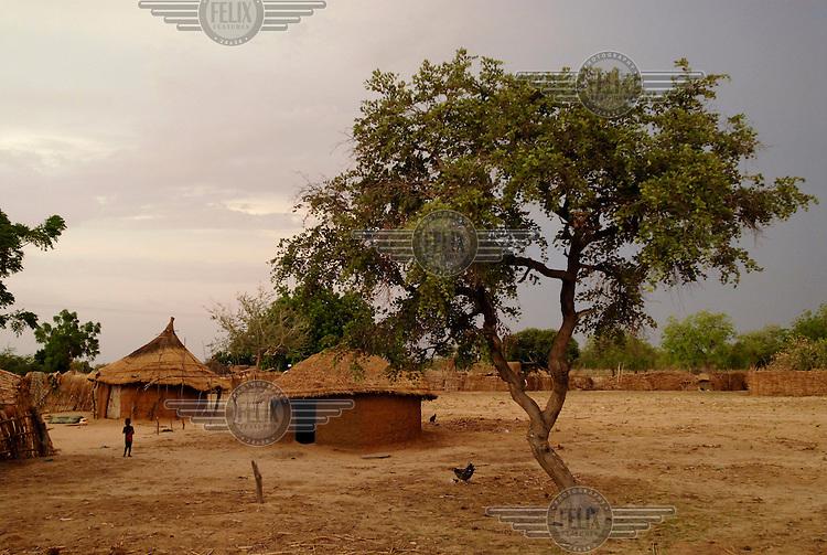 The huts of Dan Kada village.