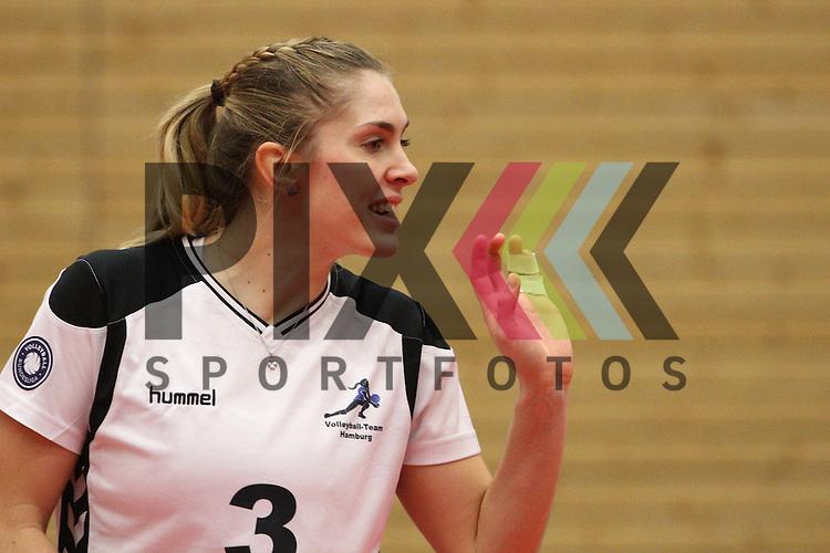 Hamburgs Saskia Radzuweit  beim Spiel, Koepenicker SC II &ndash; Volleyball-Team Hamburg.<br /> <br /> Foto &copy; PIX-Sportfotos *** Foto ist honorarpflichtig! *** Auf Anfrage in hoeherer Qualitaet/Aufloesung. Belegexemplar erbeten. Veroeffentlichung ausschliesslich fuer journalistisch-publizistische Zwecke. For editorial use only.