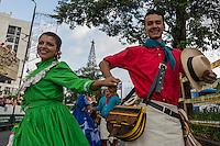 """MANIZALES-COLOMBIA. 07-01-2016: """"Desfile de las Naciones"""" con la participación de las candidatas al Reinado del Café y comparsas con bailarines y músicos como parte de la versión número 60 de La Feria de Manizales 2016 que se lleva a cabo entre el 2 y el 10 de enero de 2016 en la ciudad de Manizales, Colombia. / """"Nations Parade"""" with the participation of the candidates for Queen of Coffee and dancers and musicians as part of the 60th version of Manizales Fair 2016 takes place between 2 and 10 January 2016 in the city of Manizales, Colombia. Photo: VizzorImage / Kevin Toro / Cont"""