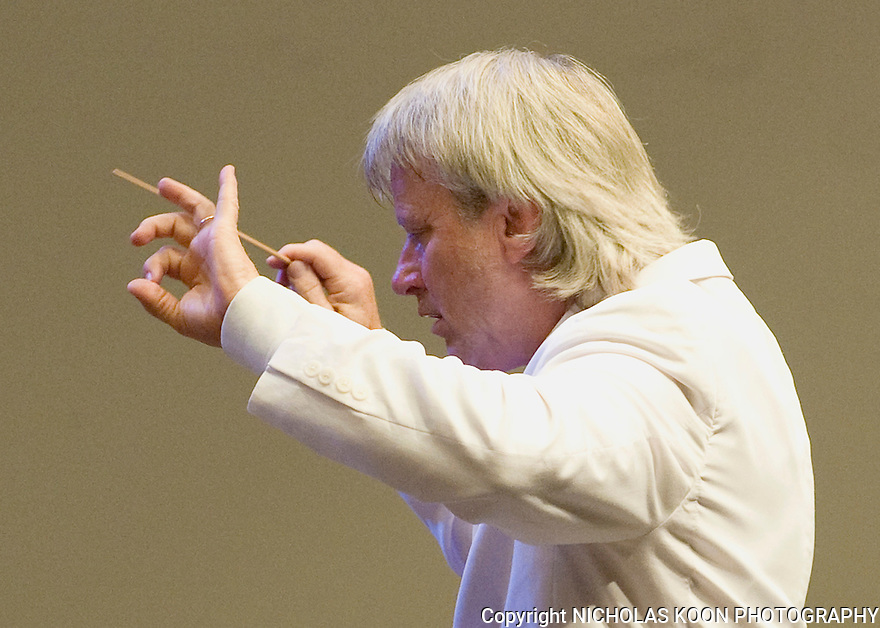 Pacific Symphony Conductor Carl St. Clair.