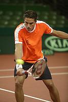 7-2-06, Netherlands, Amsterdam, Daviscup, first round, Netherlands-Russia, training, Jesse Huta Gallung