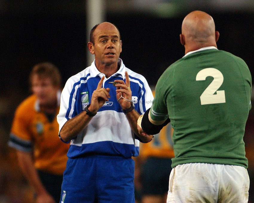 Photo: Jack Atley..Australia v Ireland.  At the Telstra Dome, Melbourne. RWC 2003. 01/11/2003..Andre Watson talks to Keith Wood.