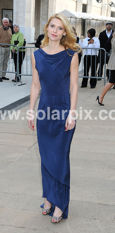 **ALL ROUND PICTURES FROM SOLARPIX.COM**.**SYNDICATION RIGHTS FOR UK, AUSTRALIA, DENMARK, PORTUGAL, S. AFRICA, SPAIN & DUBAI (U.A.E) ONLY**.arrivals for the 69th Annual American Ballet Theatre Spring Gala. Held at the Metropolitan Opera House, New York City, NY, USA. 18 May 2009..This pic: Claire Danes..JOB REF: 9040 PHZ (Mayer)   DATE: 18_05_2009.**MUST CREDIT SOLARPIX.COM OR DOUBLE FEE WILL BE CHARGED**.**ONLINE USAGE FEE GBP 50.00 PER PICTURE - NOTIFICATION OF USAGE TO PHOTO @ SOLARPIX.COM**.**CALL SOLARPIX : +34 952 811 768 or LOW RATE FROM UK 0844 617 7637**