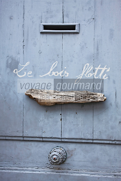 Europe/France/Poitou-Charentes/17/Charente-Maritime/Ile de Ré/Les Portes-en-Ré: Détail d'une porte de maison
