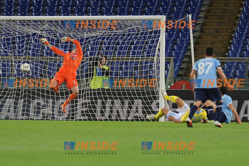 Gol di Stefano Mauri Lazio.Roma, 07/04/2012 Stadio Olimpico.Football Calcio 2011/2012 .Lazio vs Napoli.Campionato di calcio Serie A.Foto Insidefoto Antonietta Baldassarre