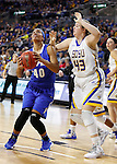 SIOUX FALLS, SD - MARCH 5:  Keanna Gary #40 of Fort Wayne looks to shoot against defender Jessica Mieras of South Dakota State during the 2016 Summit League Tournament. (Photo by Dick Carlson/Inertia)