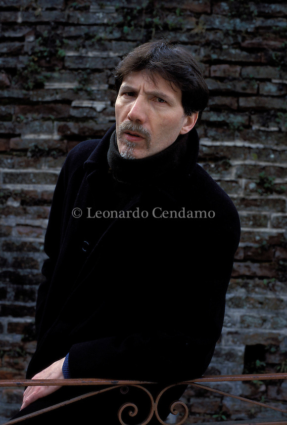 2002: FRANCESCO PERMUNIAN ( WRITER IT.)  © Leonardo Cendamo