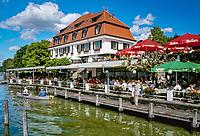 Deutschland, Bayern, Oberbayern, Berg am Starnberger See: Schlosscafe mit Biergarten direkt am See | Germany, Bavaria, Upper Bavaria, Lake Starnberg, Berg: cafe, beer garden