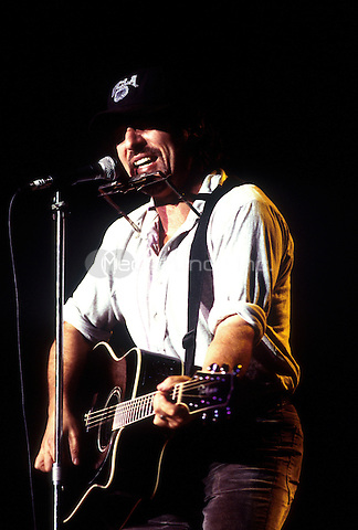 Bruce Springsteen in concert at Shoreline Amphitheatre, Mountain View, California on October 28, 1995. Credit: Jay Blakesberg/MediaPunch