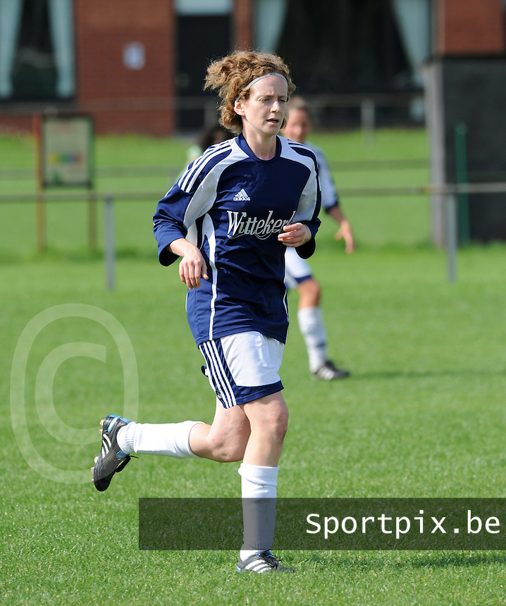 VV Rassing Harelbeke : Stefanie Houwen.foto DAVID CATRY / VDB / BART VANDENBROUCKE