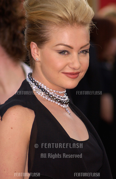 Actress PORTIA DE ROSSI at the 59th Annual Golden Globe Awards in Beverly Hills..20JAN2002.© Paul Smith/Featureflash