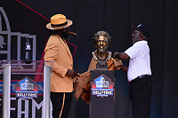 Canton, Ohio - August 3, 2019: Ed Reed unveils his bust at the Tom Benson Hall of Fame Stadium in Canton, Ohio August 3, 2019 after his induction into the Pro Football Hall of Fame.  (Photo by Don Baxter/Media Images International)