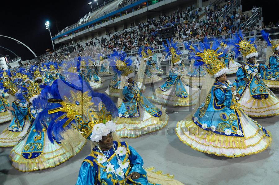 SAO PAULO, SP, 24 DE FEVEREIRO 2012 - DESFILE DAS CAMPEÃS DO CARNAVAL SP - NENÊ DE VILA MATILDE: Integrante da escola de samba Nenê de Vila Matilde no desfile das Campeãs do Carnaval 2012 de São Paulo, no Sambódromo do Anhembi, na zona norte da cidade, neste sábado.(FOTO: LEVI BIANCO - BRAZIL PHOTO PRESS).