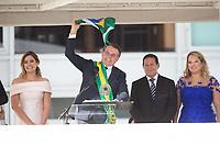 BRASILIA, DF, 01.01.2019 - BOLSONARO-POSSE-    O presidente Michel Temer, passa a faixa presidencial para o presidente empossado, Jair Bolsonaro, nesta terça-feira, 01. (Foto:Ed Ferreira / Brazil Photo Press)