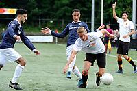 HAREN , Voetbal,  Be Quick - Quick, Derde Divisie zondag seizoen 2017-2018, 17-09-2017, Rick Wiersma in duel met Virgil Jtin Asjoe, links Rachid Bouyaouzan