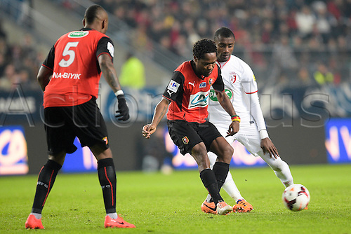 27.03.2014 Rennes, France. Jean II Makoun (Rennes) vs Salomon KALOU (lille) in action during the Coupe de France quarter final match between Rennes and Lille. Rennes won the match 2-0.